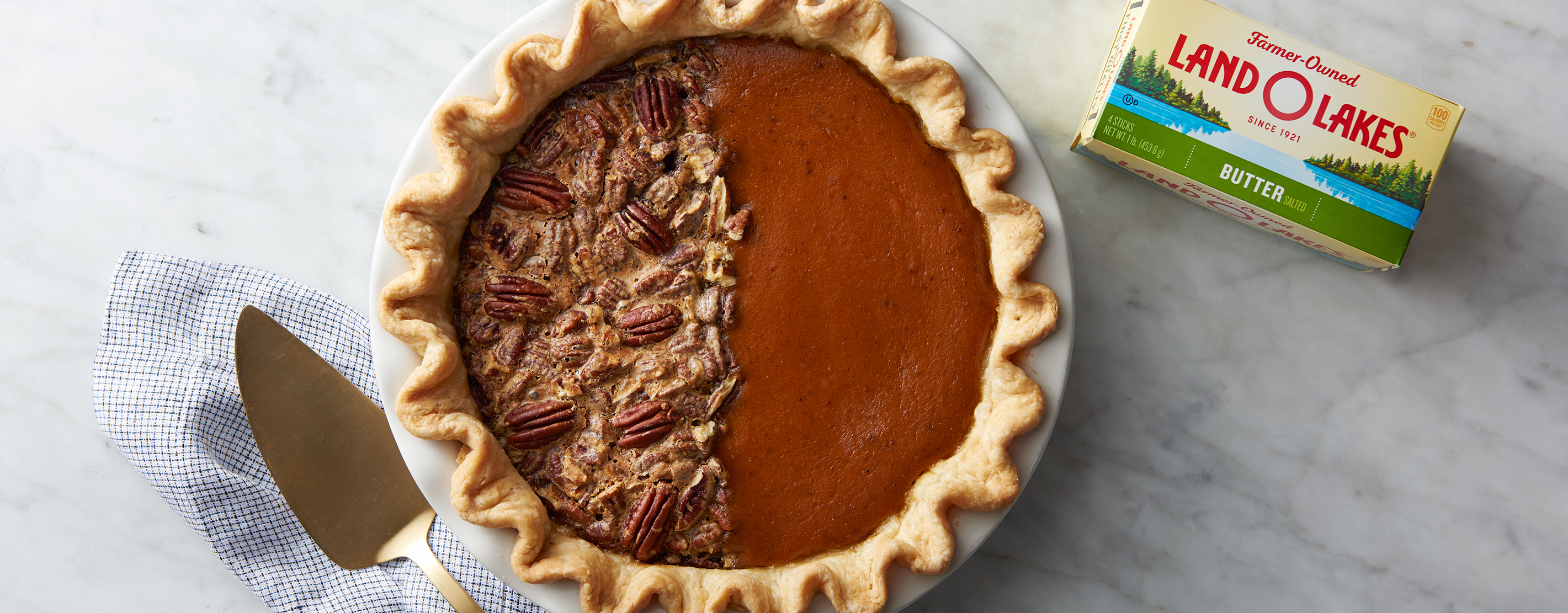 Image Of A Pie That is Half Pumpkin And Half Pecan